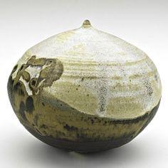 TOSHIKO TAKAEZU (1922-2011); Glazed stoneware Moonpot with rattle, Clinton, NJ, ca. 1995