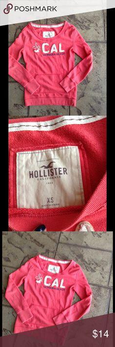 HOLLISTER SWEATSHIRT In great condition. HOLLISTER size XS. Hollister Tops Sweatshirts & Hoodies