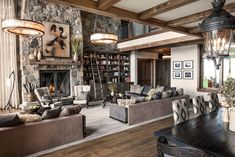 Inside a Stylish Mountain Home on Lake Tahoe Designed by Jeff Andrews - House… Modern Mountain Home, Mountain Homes, Mountain Living, Transitional Living Rooms, Transitional House, Transitional Lighting, Jeff Andrews Design, Lago Tahoe, Decoracion Vintage Chic