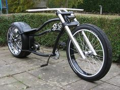 Exercise Anywhere With Your Bicycle Velo Beach Cruiser, Cruiser Bicycle, Motorized Bicycle, Indian Motorcycles, Triumph Motorcycles, Drift Trike, Velo Design, Bicycle Design, Cool Bicycles