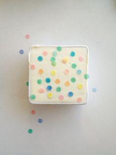 Mini confetti cake