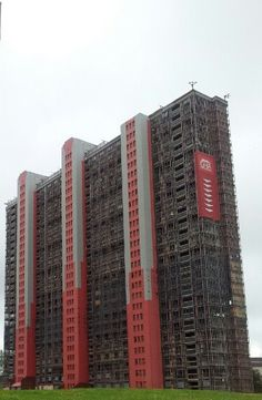 HD Video of Red Road Flats Demolition, Glasgow June 10, 2012 ~ Kulikoni Ughaibuni