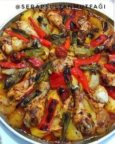🌿Bana göre hazırlaması en kolay tariflerden biri. Yemeği hazırlamak yarım saat sürmüyor. Lezzeti ise muhteşem 👌🏻 🌿FIRINDA SEBZELİ TAVUK…