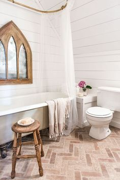 Upstairs Bathroom: Cottage House Flip Reveal