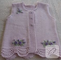 Baby vest models 2018 Let's see what's happening. combed rope wide braid … – fatma öztürk – Join the world of pin Knitting For Kids, Baby Knitting Patterns, Knitting Designs, Hand Knitting, Baby Cardigan, Baby Sweaters, Girls Sweaters, Baby Blanket Crochet, Crochet Baby