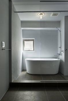 蘆田暢人建築設計事務所 Ashida Architect & Associates の ミニマルな 洗面所/風呂/トイレ 元浅草の住居