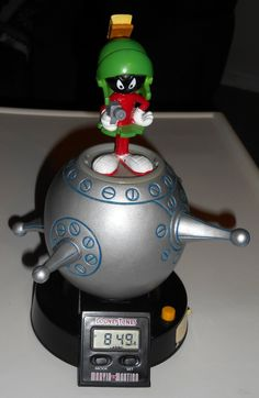 Marvin the Martian Talking Alarm Clock Spaceship Space Vehicle 1993 Looney Tunes Battery Operated