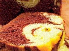 Multe rețete de chec există dar de mult căutam rețeta de chec pe care o mâncam în copilărie! Este cel mai bun chec marmorat pe care îl veți mânca vreodată! Romania Food, Romanian Desserts, Hungarian Recipes, Bread Baking, Cake Cookies, Biscuits, Cheesecake, Muffin, Food And Drink