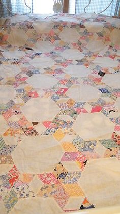 Vintage 1930s Quilt Top with 6 Point Stars in Circle or Tumbling Blocks H Sewn | eBay (Sold)