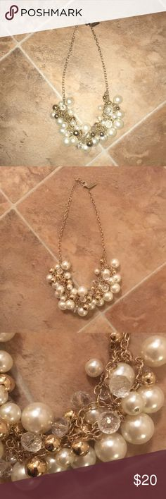 The Limited Pearl Cluster Statement Necklace Beautiful statement necklace only worn once! Works well for office or fancy affair. The Limited Jewelry Necklaces