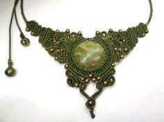 Colliers - Collar macrame con piedra - hecho a mano por Pracownia-Magia-Natury en DaWanda