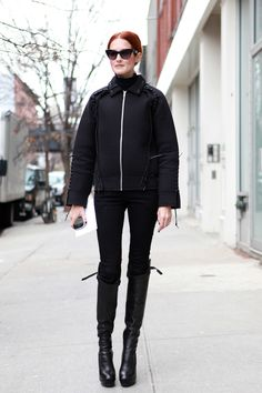 Taylor Tomassi Hill Taylor Tomasi, Autumn Winter Fashion, Fall Winter, Cool Style, My Style, Simple Outfits, Star Fashion, Minimalist Fashion, All Black