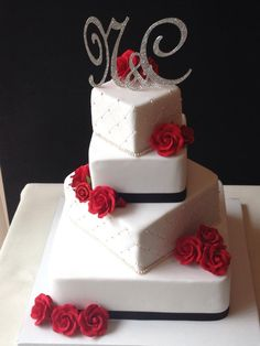Pearls and Red Roses wedding cake