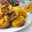Jamaican Beef Patties - Host The Toast - Now, doesn't that look delicious? Jamaican Dishes, Jamaican Recipes, Beef Recipes, Cooking Recipes, Jamaican Appetizers, Jamaican Cuisine, Recipies, Jamaican Beef Patties, Jamaican Patty