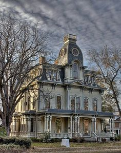 Raleigh, North Carolina. Beautiful old world houses!