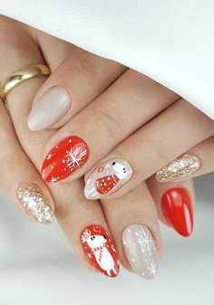 Christmas Nail Art Designs To Look Trendy This Season Christmas Nail Art Designs, Christmas Nails, Glitter Nails, Fun Nails, Treat Yourself, Make It Yourself, Nail Selection, Perfect Nails, Perfect Party