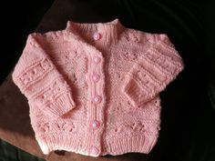Gilet layette bébé fille taille naissance tricot main : Mode Bébé par caro-creation-main
