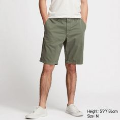 Shop affordable chino pants & casual pants for men available in a wide variety of colors and sizes. Pants available in slim fit and vintage regular fit styles. UNIQLO US. Mens Chino Pants, Cargo Pants Men, Chino Shorts, Down Vest, Festival Outfits, Uniqlo, Fitness Fashion, Casual Looks, Casual Pants