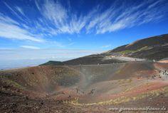 Silvestrikrater auf dem Vulkan Etna Sizilien - Sicilia - Sicily  http://www.sizilien-foto.de/2015/08/silvestri-krater-auf-dem-vulkan-etna.html