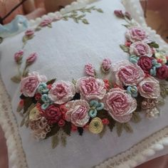 new brazilian embroidery patterns Cushion Embroidery, Embroidery Flowers Pattern, Creative Embroidery, Hand Embroidery Stitches, Silk Ribbon Embroidery, Hand Embroidery Designs, Embroidery Kits, Embroidery Needles, Making Fabric Flowers