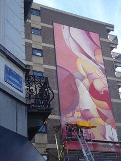 Journal l'Avenir :Guillaume Bottazzi a terminé son immense tableau de 16 mètres de haut depuis quelques jours. L'échafaudage a été retiré ce jeudi à la place Jourdan… Lire la suite +…