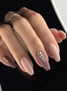 False nails have the advantage of offering a manicure worthy of the most advanced backstage and to hold longer than a simple nail polish. The problem is how to remove them without damaging your nails. Beautiful Nail Art, Gorgeous Nails, Pretty Nails, Fun Nails, Cuffin Nails, Toenails, Perfect Nails, Diva Nails, Amazing Nails