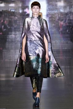Dying over this look. So gorgeous. Mary Katrantzou (style.com)