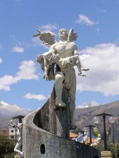 Angel en la Alameda del Río Quilcay - Huaraz - Ancash - Perú