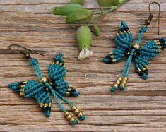 Pendientes de mariposa, hechos en macramé, con bolitas de latón, 5 colores a elegir, pendientes bohemios, aretes macrame, envio gratis