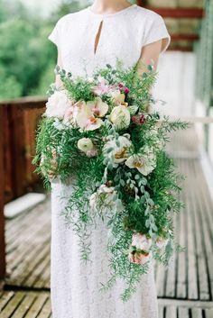 Hochzeitsinspiration: Die Luft ist wie Champagner @belle & sass http://www.hochzeitswahn.de/inspirationsideen/hochzeitsinspiration-die-luft-ist-wie-champagner/ #wedding #green #flowers