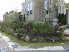 ロックガーデン風、植栽外構です…|大阪府堺市のアーテック・にしかわ Exterior, Landscape, Gallery, Gardening, Plants, Design, Style, Gardens, Lawn And Garden