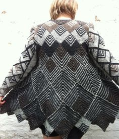 Dominostrik swaggerjakke Sweater Knitting Patterns, Knitting Designs, Hand Knitting, Creative Knitting, Jacket Pattern, Knit Or Crochet, Crochet Clothes, Clothes For Women, Cardigans
