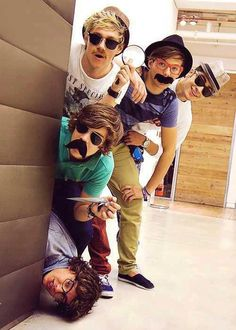 I'm a Directioner and know which is which.           (Of Course) but right now I don't know if Harry's on the Floor or is that Liam? I feel bad cuz I don't know? #Poser?!?!