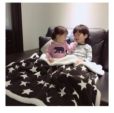 Save = follow  //kim yoon rei Cute Asian Babies, Korean Babies, Asian Kids, Cute Babies, Twin Babies, Little Babies, Baby Kids, Ulzzang Kids, Ulzzang Couple