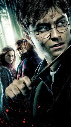 Harry Potter Most Popular And Famous Photo In Magic Time. Harry Potter magic time wallpaper and famous Images. Harry Potter Tumblr, Harry Potter Hermione, Harry Potter Poster, Harry James Potter, Harry Potter Magie, Photo Harry Potter, Mundo Harry Potter, Harry Potter Pictures, Harry Potter Universal