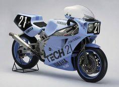 YAMAHA FZR 750 (0W74) 1985