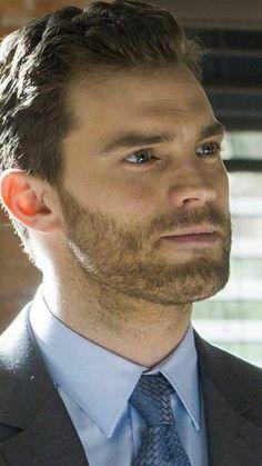 Así o más hermoso Christian Grey