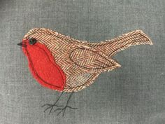 Cushions 2019 Robin applique pillow / cushion x by fabricatethings The post Cushions 2019 appeared first on Wool Diy. Freehand Machine Embroidery, Free Motion Embroidery, Free Machine Embroidery, Machine Applique, Christmas Applique, Christmas Sewing, Christmas Embroidery, Christmas Quilting, Applique Templates