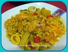Salsa Verde, Chicken, Robot, Seafood Paella, Casserole Recipes, Snap Peas, Noodles, Onion, Oil