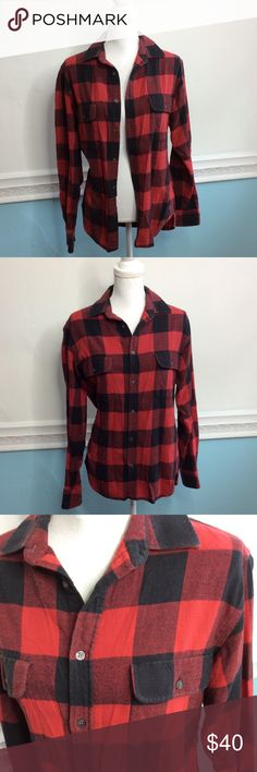 French Connection Flannel In good condition! Some signs of wear but nothing major. I wore this as an oversized flannel with leggings and I'm only getting rid of it because I have so many flannels! Size XS but fits like a women's Medium French Connection Tops Button Down Shirts