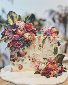 50 Stunning Floral Wedding Cake Design Ideas in Spring – Beautiful Wedding Cake Designs Gorgeous Cakes, Pretty Cakes, Amazing Cakes, Bolo Floral, Floral Cake, Wedding Cake Designs, Wedding Cakes, Wedding Favors, Buttercream Flowers