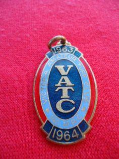 1963-64-VICTORIA-AMATEUR-TURF-CLUB-RACING-MEMBERSHIP-BADGE