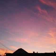 Hihetetlen színek  #unbelievable #sky #colors #sunset #budapest #nofilter #eszterslife