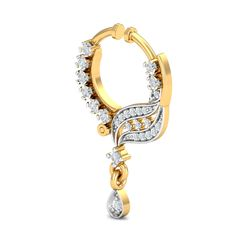This traditional diamond nath (nose ring) for the beautiful women who do not yet have a piercing on their nostrils, is an absolute winner. It can immediately render a really traditional look with the nose ring pattern and the beautiful drops attached. It