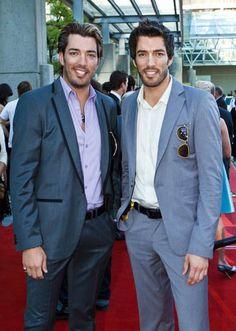 """2010 Leo Film & Television Awards"" Red Carpet Event Jonathan with Drew Scott. 06/05/2010"