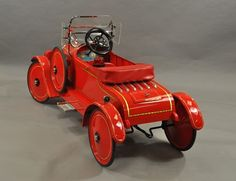 GENDRON FIRE CHIEF PEDAL CAR