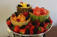 fruit tray Veggie Appetizers, Finger Food Appetizers, Churros, Fruit Dishes, Fruit Platters, Fruit Salads, Fruit Platter Designs, Veggie Tray, Vegetable Platters