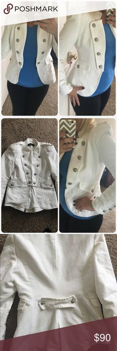 """Very nice Zara woman Cream white pit to pit 16.5"""" 23"""" from shoulder to hem shoulders are 17"""" Zara Jackets & Coats"""