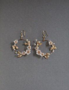 𝐡𝐲𝐮𝐧𝐬𝐮𝐧𝐠𝐣𝐚𝐞 Ear Jewelry, Cute Jewelry, Jewelery, Jewelry Ideas, Dainty Jewelry, Women's Jewelry, Beaded Jewelry, Jewelry Drawer, Jewelry Making