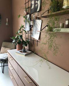 Få inspirasjon fra 10 hjem malt i Jotun Rustikk Terracotta Earthship, Beautiful Bathrooms, Modern Bathroom, Design Online Shop, Fly On The Wall, Walk In Shower Designs, Small Laundry Rooms, Ceiling Tiles